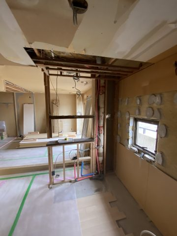 キッチン 解体 工事中