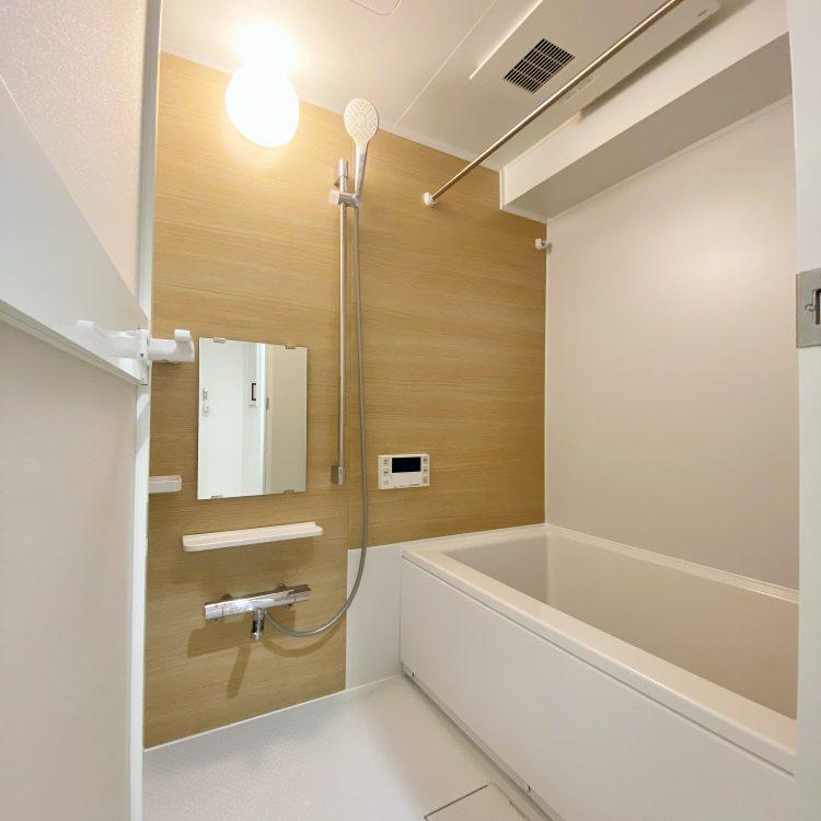 浴室 TOTOリモデルバス ライトウッド