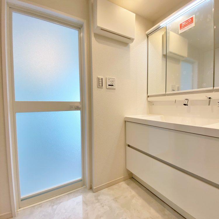 洗面室リフォーム LIXIL MV